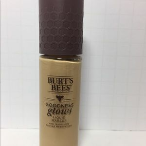 Other - SOFT HONEY LIQUID MAKEUP 1oz new 1035
